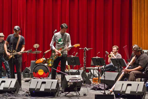 Dan Sultan, Patrick Dempsey and William Barton in rehearsal at Dartmouth College,  Photo by Gavin Huang, The Dartmouth Senior Staff